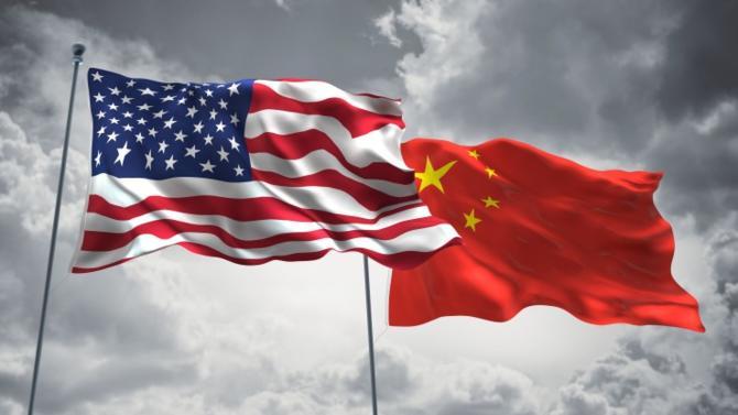 En faisant de la Chine non plus un marché à conquérir mais une menace à circonscrire, Donald Trump bouscule une fois de plus l'ordre établi et menace les équilibres. Ceux de son propre marché, et ceux des marchés européens.