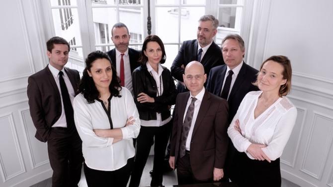 Cinq avocats bien installés se sont associés pour offrir à leurs clients un panel de services.