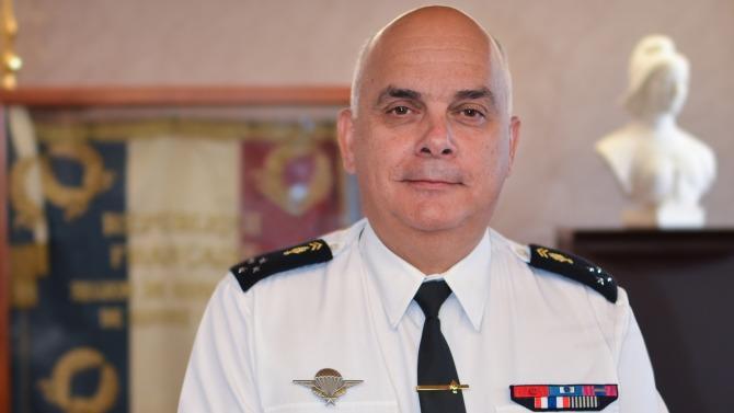 À la tête de la région de gendarmerie Auvergne Rhône-Alpes depuis près d'un an, le Général Guimbert a à cœur de garantir le bien-être au travail de ses équipes. Comme en entreprise, des dispositifs sont déployés afin de faire grandir les hommes dans un environnement de travail propice à l'efficacité.