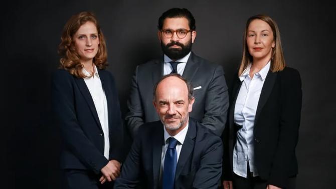 Le professeur et arbitre Thomas Clay ouvre son propre cabinet d'avocats spécialistes de l'arbitrage national et international. Clay Arbitration est avant tout une structure d'arbitres.