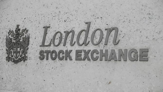 Cette acquisition, valorisée à 27 milliards de dollars, permettra à la LSE de concurrencer l'américain Bloomberg, le géant des données financières.