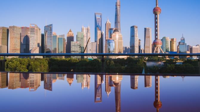 Le cabinet d'avocats fait alliance avec le chinois Kewei. Il s'agit de la sixième firme non issue de l'Empire du Milieu à obtenir le droit d'émettre des avis juridiques au travers d'une joint-venture à Shanghai.