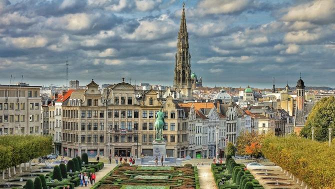 Certains avocats britanniques prennent la nationalité belge afin d'être prêts en cas de « no deal ». C'est notamment le cas de Trevor Soames, managing partner du bureau belge, selon law.com.