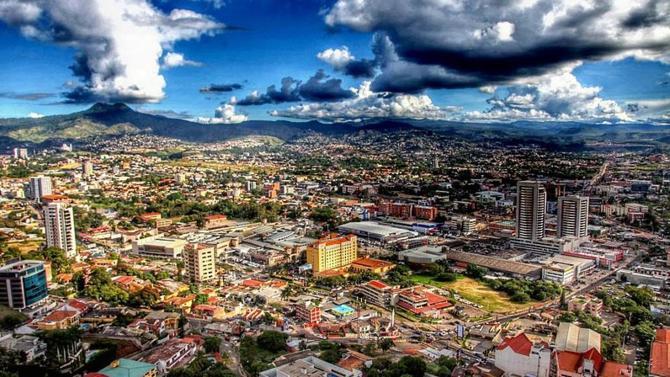 Le géant du droit Dentons se rapproche d'un cabinet d'affaires implanté au Honduras : Gustavo Zacapa y Asociados.