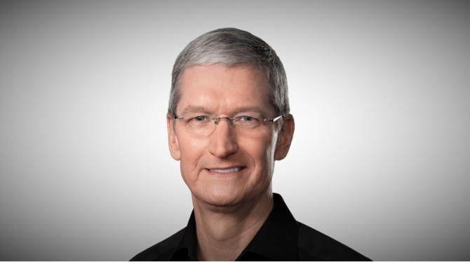 Plus orienté que jamais vers les services, l'Apple de Tim Cook est entré en phase de consolidation, alors que les ventes de smartphones atteignent un palier. Une étape cruciale que le successeur de Steve Jobs réussit en gardant la tête froide.