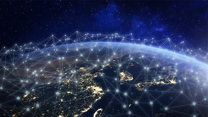 TABLE-RONDE. Le marché des télécoms oscille entre mega-deals et mouvements stratégiques. L'émergence annoncée de la 5G, la convergence des réseaux, l'implication des autorités de régulation peuvent rebattre les cartes d'un secteur où les leaders d'aujourd'hui ne seront pas forcément les gagnants de demain. Retour sur les enjeux et problématiques d'un secteur vital dans un monde toujours plus connecté.
