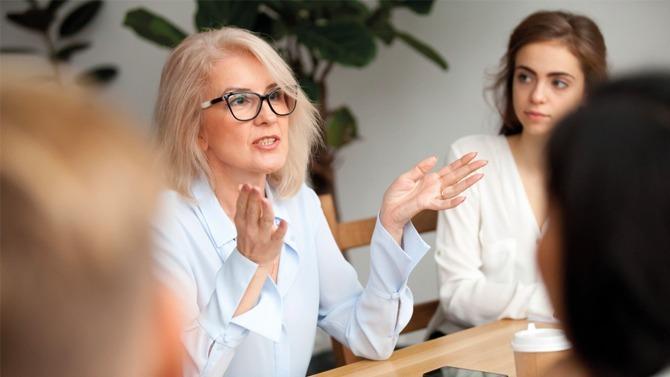 L'association nationale des DRH fait sa rentrée sociale avec audace en suggérant de mettre les entreprises sous surveillance avec un nouvel index : celui de l'emploi des seniors. Un outil pratique pour progresser sur la gestion des fins de carrière, le recrutement et les conditions de travail de cette population.