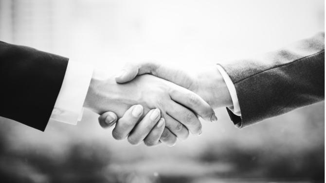 Les spécialistes des fusions-acquisitions bénéficient de la reprise des opérations financières. Si les juristes en entreprise sont les premiers concernés par une hausse de l'activité corporate/M&A/financement, les conseils tirent bien sûr leur épingle du jeu, l'avocat en M&A étant la principale demande de recrutement.