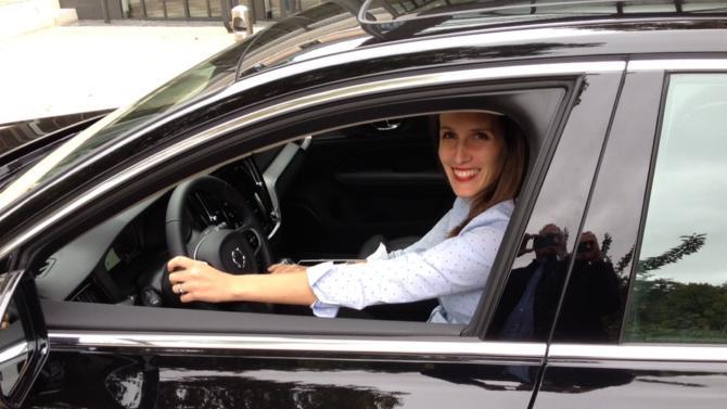 Avocate associée du cabinet Drai Forget Boché Dobelle spécialisé en restructuring, Mylène Boché-Robinet a pu apprécier les performances de la dernière Volvo à la motorisation hybride rechargeable. Impressions.