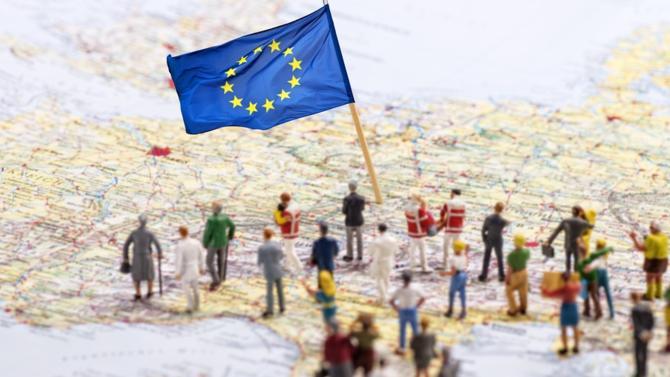 Si l'Union européenne est une puissance commerciale de premier ordre, de nombreux chantiers restent à mener en matière de défense et de recherche. L'urgence est là car les États-Unis et la Chine ont déjà pris de l'avance. Décryptage de Thomas Gomart, directeur de l'Institut français des relations internationales.