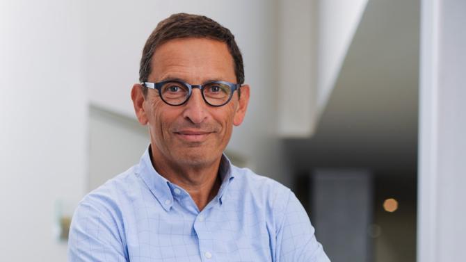 La croissance de Club Med ne s'arrête plus depuis son entrée dans le giron du Chinois Fosun, comme en témoignent les résultats financiers en hausse. Michel Wolfovski, directeur général et directeur financier, revient sur la stratégie du groupe et la relation avec son premier actionnaire.