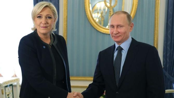 En soutenant ouvertement la droite populiste du Vieux Continent, Vladimir Poutine agit dans l'intérêt de la Russie. De quoi trembler ? Pas vraiment puisque les partis libéraux et les pouvoirs en place y voient aussi leur intérêt…