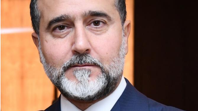 Baki Maneche devient ambassadeur de la zone Proche et Moyen-Orient du cabinet Fidal. Cette nomination permet au Français de s'ancrer davantage dans cette région.