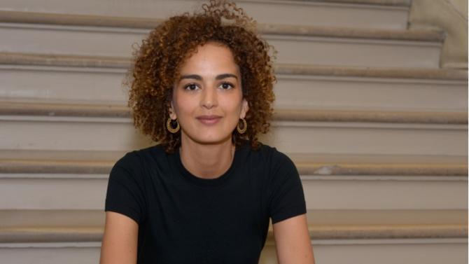 """D'aussi loin qu'elle s'en souvienne, Leïla Slimani a toujours été réfractaire aux injonctions. Celles des adultes, d'abord, celles de la société ensuite. Pour l'écrivain franco-marocaine saluée par le prix Goncourt en 2016 et auteur du """"Manifeste des 490"""" qui, le mois dernier, dénonçait dans Libération les lois liberticides du Maroc, chacun doit être libre. Libre de choisir """"sa vie, sa sexualité, ses indignations"""". Libre de ne pas se montrer conforme aux attentes, de passer outre le regard des autres, de déplaire. Libre de se révolter comme de """"cultiver son jardin"""". Rencontre avec une authentique affranchie."""