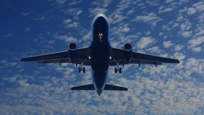 Alors que la guerre commerciale entre Boeing et Airbus fait rage, l'Organisation mondiale du commerce a autorisé l'État américain à mettre en place de nouveaux droits de douane sur certains produits européens. Une véritable sanction pour le Vieux Continent. Ou comment le droit est exploité par les deux géants de l'aéronautique pour s'affaiblir mutuellement.