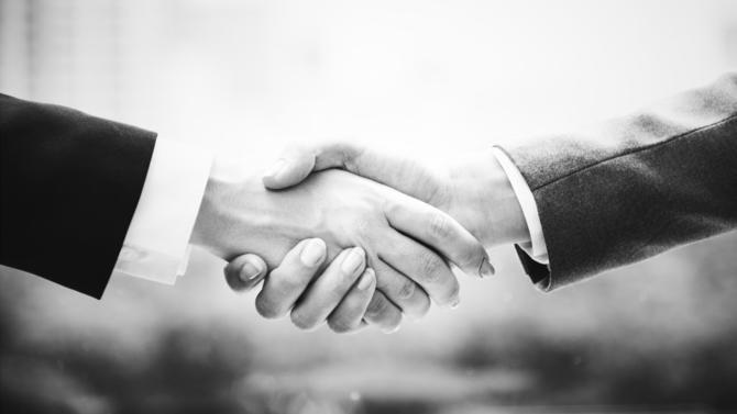 Alors que C&A réorganise son réseau de magasins en France, la marque d'origine néerlandaise renouvelle une partie de son équipe de direction. Elle nomme ainsi Benoît Trochet à la tête de la direction financière France.