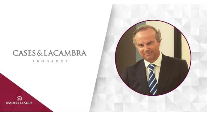 Cases & Lacambra has recruited Alfanar Energia España legal director Pablo Echenique as a partner in its Madrid office.