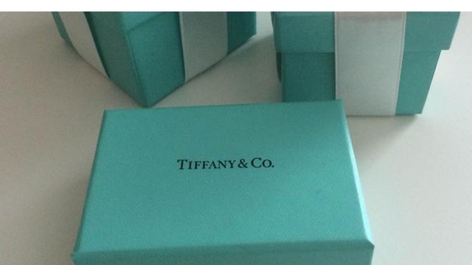 Dans le viseur du champion du luxe depuis plusieurs mois, l'enseigne Tiffany & Co a succombé à l'appel du groupe de Bernard Arnault. Montant de l'offre : 14,7 milliards d'euros.