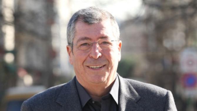 Éric Dupond-Moretti n'assurera plus la défense de Patrick Balkany. Des raisons financières sont évoquées.