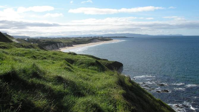 Le projet Celtic Interconnector coûtera 930 millions d'euros, dont la moitié financé par l'Union européenne. C'est la première liaison électrique qui reliera directement l'Irlande au continent européen, sans passer par le Royaume-Uni.