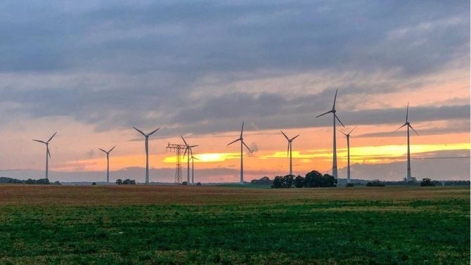 Le dernier rapport de l'Irena appelle les décideurs politiques à doubler leurs ambitions en matière d'énergies renouvelables afin de remporter la lutte contre le réchauffement climatique.