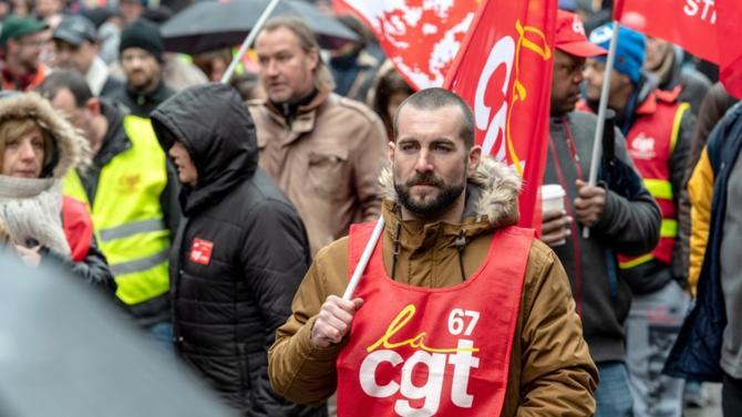 Contrairement à certaines idées reçues, les grèves et le temps qui passe favorisent le gouvernement qui pourrait bien faire adopter l'essentiel de son projet de réforme, notamment la suppression des régimes spéciaux.