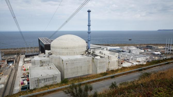 La décision de construire ou non de nouveaux réacteurs nucléaires EPR en France ne sera pas prise avant fin 2022, a confirmé la ministre de la Transition écologique Elisabeth Borne.