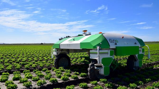 Naïo Technologies, start-up toulousaine de robotique agricole, lève 14 millions d'euros pour conserver son leadership et se développer aux États-Unis et en Allemagne. Retour sur le parcours et les perspectives de cette entreprise.