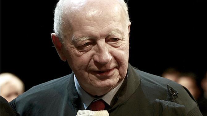 L'ancien bâtonnier de Paris Jean-René Farthouat est décédé le samedi 11 janvier 2020 à l'âge de 85 ans. Il était un grand avocat contentieux et pénaliste engagé dans sa profession comme dans la transmission à ses jeunes confrères et consœurs.