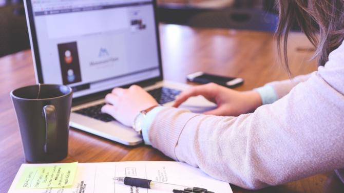 La start-up met à disposition de tous de nouvelles fonctionnalités utiles pour anticiper les problématiques juridiques et administratives  liées à la création d'une entreprise.