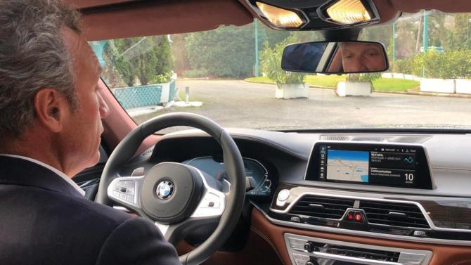 Performance, dynamisme, assistance optimum sont les fils conducteurs de cet essai auto. S'ils caractérisent la luxueuse berline BMW série 7, ils inspirent également le cabinet de recrutement et conseil RH multi-spécialiste Grant Alexander, présidé par Henri Vidalinc depuis six ans.