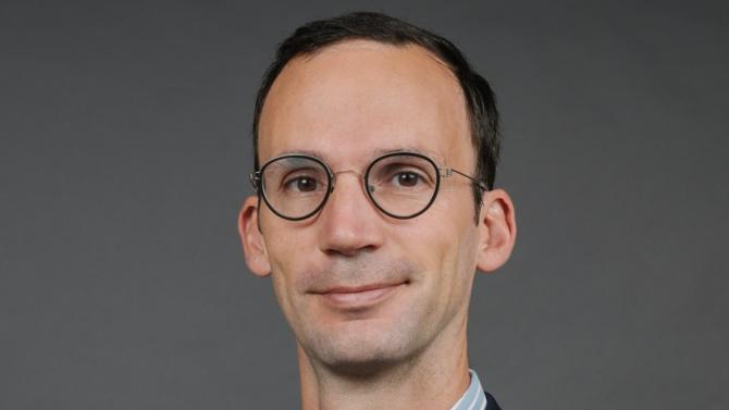 Près de six mois après sa nomination au poste de directeur général France, Italie et Belgique de BlackRock Real Assets, Cédric Dujardin dévoile à Décideurs sa feuille de route dans l'Hexagone.