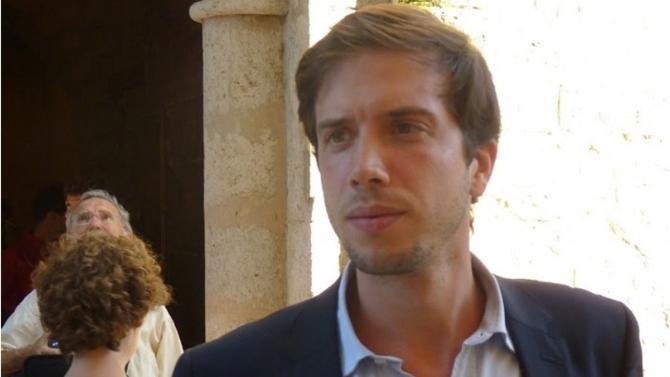 Après avoir fondé NeoNotario, une marketplace notariale, le jeune entrepreneur Arthur Cassagnau lance NeoJusticio.