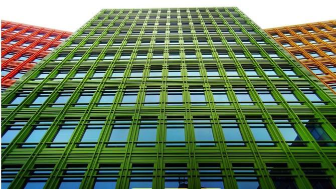 Véritable évangile de la filière, la réglementation de construction des bâtiments neufs, dite thermique, pointe le bout de son nez dans une sixième mouture dont le maître mot est cette fois-ci carbone.