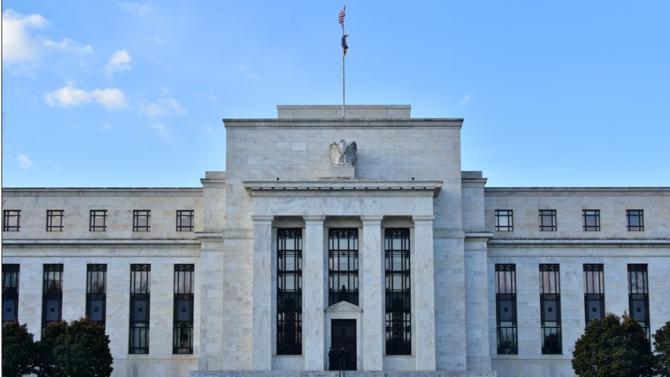 Pour restaurer la liquidité du marché du crédit, fragilisée par la propagation du coronavirus, la Réserve fédérale américaine (Fed) lance un vaste programme pour accorder des facilités de crédits aux entreprises et aux ménages.