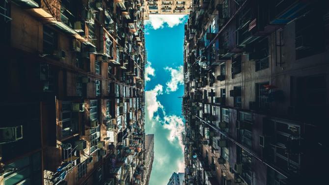 Invesco qui acquiert deux plateformes logistiques, Logistics Capital Partners qui s'implante en France, le gouvernement qui décale la réforme des APL… Décideurs vous propose une synthèse des actualités immobilières et urbaines du 17 mars 2020.