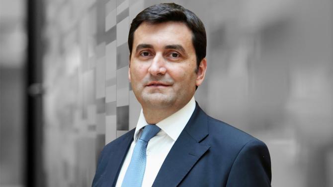 Acteur du private equity dédié aux infrastructures, InfraVia Capital Partners gère 4 milliards d'euros d'actifs. Dans le cadre de leurs investissements, les équipes de Vincent Levita ont principalement ciblé les secteurs des télécoms, de l'énergie et de la santé. Entretien.
