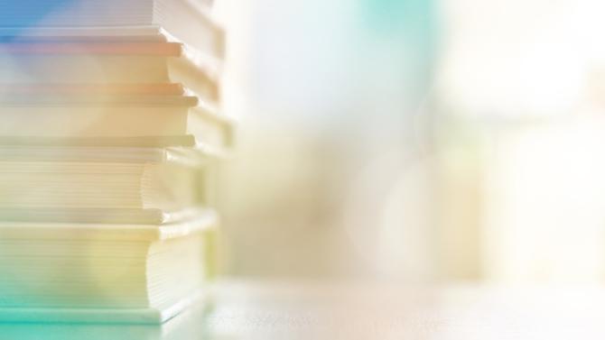 La période est propice à la lecture. Cela tombe bien, les librairies pourraient bientôt rouvrir leur portes. Voici quelques conseils de lecture.