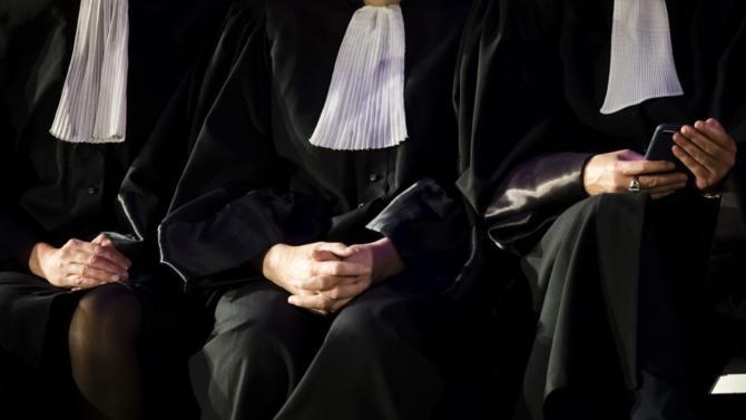 Le Conseil national des barreaux lance l'opération « Covid-19/Avocats solidaires » pour apporter une aide juridique aux professionnels et particuliers.