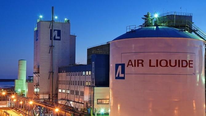 Air Liquide, Groupe PSA, Schneider Electric, Valeo fourniront 10 000 respirateurs en 50 jours. Ce défi industriel fera également appel à la contribution exceptionnelle de 100 entreprises partenaires.