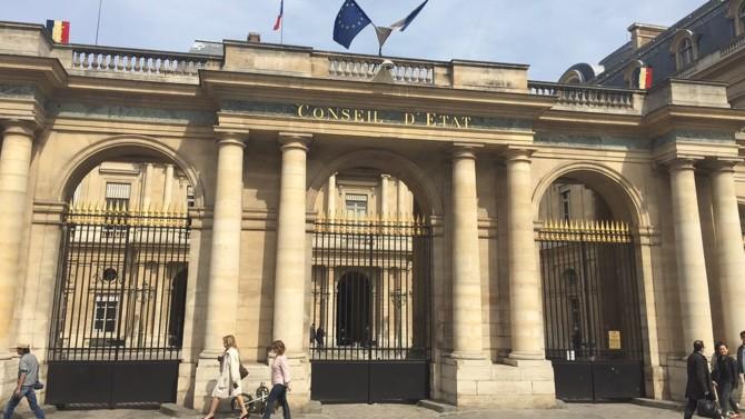 Le Conseil d'État valide l'allongement des délais de la détention provisoire en pleine crise du Covid-19. Une décision qui intervient quelques jours après l'annonce de Nicole Belloubet, à propos de l'État de droit.