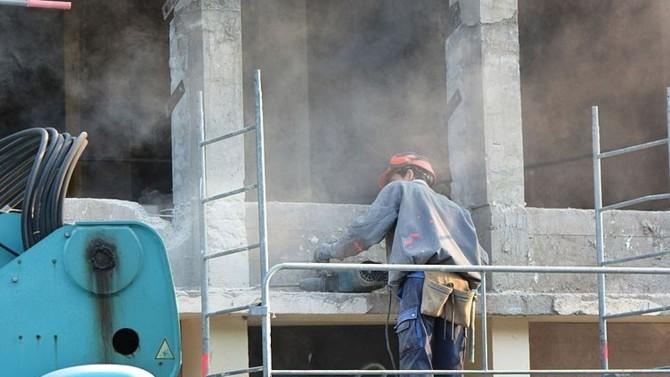 Le ministère de l'Économie aide les entreprises et les filières à s'approvisionner en masques de protection nécessaires à la poursuite de l'activité. Plusieurs possibilités s'offrent aux professionnels.