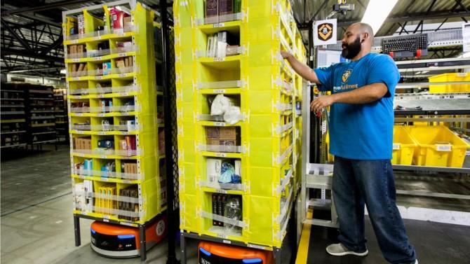Le tribunal judiciaire de Nanterre vient de restreindre l'activité du géant du e-commerce en raison des risques sanitaires qui pèsent sur ses salariés.