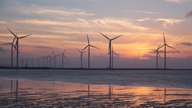 Les perspectives mondiales pour les énergies renouvelables de l'Irena montrent que la décarbonisation du système énergétique serait capable de contribuer à la récupération à court terme, tout en créant des économies et des sociétés résilientes et inclusives. Explications.