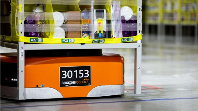 """Pour le premier syndicat d'avocats d'entreprises AvoSial, la décision du 14 avril dernier restreignant l'activité d'Amazon aux biens """"essentiels"""" pourrait avoir des répercussions néfastes sur les entreprises françaises."""