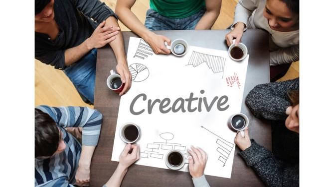 """Dans la jungle entrepreneuriale, collaborer aux côtés d'un studio de motion design est la solution pour se démarquer durablement. Déployer une stratégie communicationnelle en animant des images qui narrent vos propres histoires, c'est attirer l'attention de votre audience de façon originale et convaincante sur votre marque et ses produits. Alors que les services et les prix s'homogénisent, la création motion design est une stratégie différenciante et extrêmement tendance qui saura """"gagner à la fois la raison et le cœur de votre public"""" explique Rémy, du studio de motion design, Gorille."""