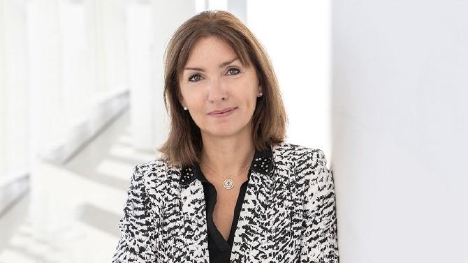Leader mondial du marché des applications d'entreprise, SAP place depuis plusieurs années la diversité et la mixité au cœur de sa stratégie. Caroline Garnier, directrice des ressources humaines de la filiale française, revient sur les enjeux de cette démarche et sur les programmes déployés pour atteindre l'objectif affiché par le groupe: 30 % de femmes à des postes de management d'ici 2022.