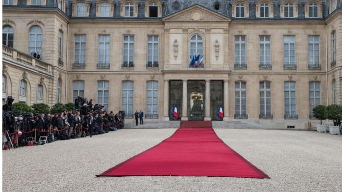 """Le """"nouveau chemin"""" ouvert par le Président de la République dimanche soir, s'il demeure encore fécond de possibles et mystères, recèle nombre d'enseignements sur son exercice du pouvoir, passé, présent et à venir."""