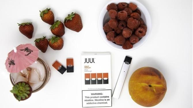 Le producteur d'e-cigarettes, Juul, impliqué dans des procédures judiciaires qui font écho à un débat sur la consommation de ces produits par les mineurs dans la société américaine, lève des fonds pour supporter ses difficultés financières.