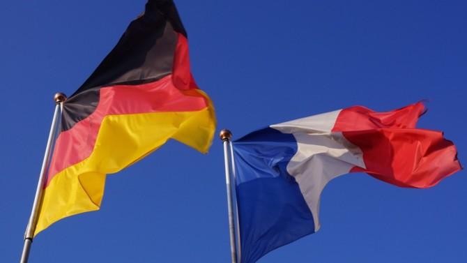 Face à la crise sanitaire et économique, Paris et Berlin ont opté pour deux stratégies, certes différentes, mais complémentaires. Tentative de comparaison.